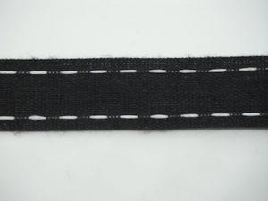 Nastro nero con impuntura in contrasto panna 18mm. Composizione 98% cotone 2% poliestere