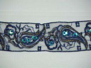 Rifinitura in organza ricamata con paillettes e perline bluette 4cm