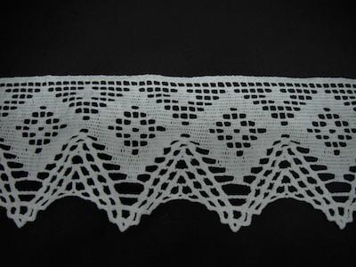 Merletto in cotone fantasia geometrica bianco 9cm