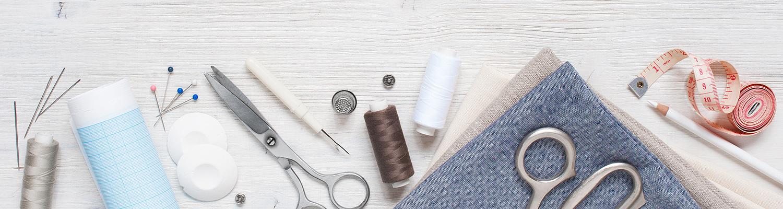 tessuti, fili ed una serie di prodotti da merceria in vendita sul nostro sito